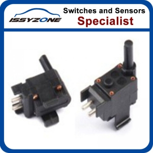 Reverse light switch For Mercedes Benz 2015450014